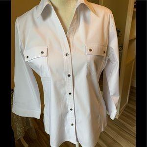 Zac & Rachel sz L white with silver buttons shirt